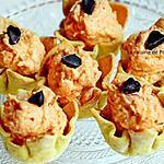 recette Amuse bouche à l'effiloché de porc aux poivrons et tomate sur fond de moutarde aux poivrons