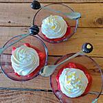 recette Verrines de fraises à la créme fouettée de mascarpone citronné