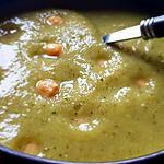 recette Soupe courgette champignons orties pois chiches ( adorée par mon fils de 4ans!.  )