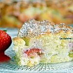 recette Gâteau moelleux à la rhubarbe et fraises et aux blancs d'oeufs