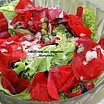 recette Salade verte (laitue ou autre) aux coquelicots et ovaires de coquelicot.