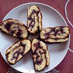 Gâteau roulé à la confiture de cassis