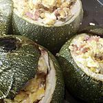 recette Courgettes farcis aux oeufs brouillés