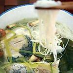 recette Soupe de poisson aux herbes thaïlandaises avec des vermicelles de riz