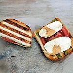 recette Toast au pesto, tomate et mozzarella