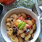 recette Pâtes aubergine  tomaetes oignon rouge