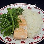 recette saumon, purée de chou-fleur et pesto de roquette