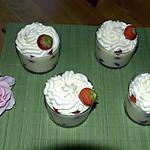 verrines à la crème vanille et aux fraises.
