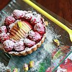 recette Tartelettes moelleuses pommes-framboises au lait concentré sucré, pistaches et spéculoos