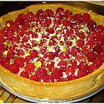 recette Tarte à la pistache et au bavarois de framboises