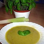 Crème de legumes com manjericào (Crème de légumes automnal   et basilic)