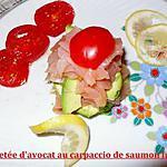 recette feuilletée d'avocat au carpaccio de saumon fumé