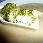 recette velours d'échalotte aux perles de ricotta pistachées
