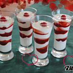 Verrine de fromage blanc au coulis de fraises très rapide