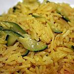 Riz pilaf au curry et aux courgettes