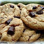 recette Cookies au beurre de cacahuètes & aux pépites de chocolat