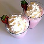 Milk shake fraise et chantilly