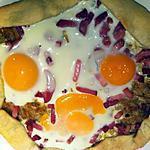 recette Tarte à l'oignon et aux oeufs en forme de bonhomme