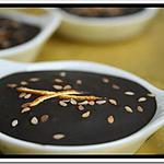 recette ** Mignardises pour accompagner le café : crème d' orange en croûte de chocolat aux graines de sésame  **