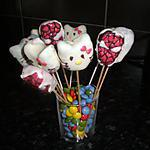 cake pop's : recette cake pops hello kitty,spider man