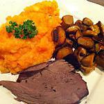 Un cuissot de chevreuil tendre et moelleux cuit au four.