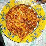 tagliatelle a la sauce tomate ,capre et thon