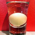 recette Cuisine moléculaire: Sphère de crème à la liqueur de caramel, vodka