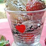recette Verrine de mousse au chocolat et dés de fraises