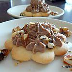 recette Petits sablés à la chantilly au nutella et nougatine de noisettes