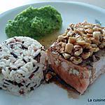 saumon à l'unilatérale, noisettes grillées et vinaigre balsamique