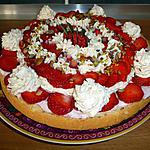 Mousses fraises & rhubarbe sur une génoise