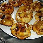 recette Petits feuillettés de pommes au caramel et raisins  secs.