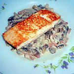 recette pavés de saumon au champignons et lardons