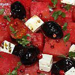 recette Salade pastèque, feta, tomates cerises et baies roses