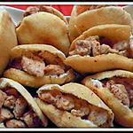 Mini Batbout (pain Marocain cuit à la poêle) farci au poulet Chawarma