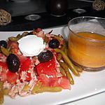 Salade tomate, haricot vert, sauce vinaigrette au tarama.