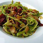 recette Spaghettis de courgettes aux tomates séchées et amandes