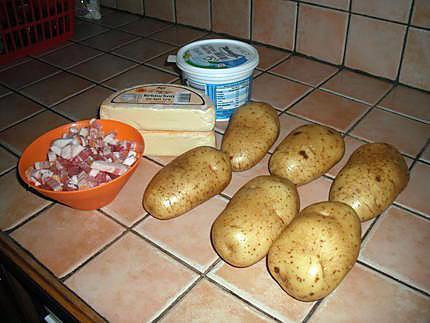 recette de pommes de terre farcies par namounet. Black Bedroom Furniture Sets. Home Design Ideas
