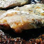 recette Cotes de porc gratinées à la créme de roquefort