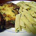 recette Penne à la crème d'ail persillée et cotelette gratinée au roquefort