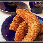 """recette Cornes de gazelle aux graines de sésame""""Gâteaux Marocains"""""""