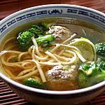 recette Soupe aux nouilles asiatiques et boulettes de bœuf