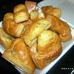 recette minis cakes aux olives noires et chavignol (apéro en famille)