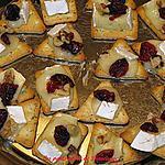 recette Bouchées chaude au brie ,canneberges et pacanes