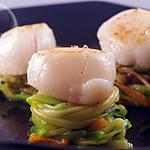 recette Saint-Jacques à l'huile de truffe sur nid de spaghettis de légumes…