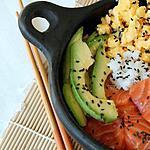 recette ** Cuisine japonaise : Chirashi ou Chirachi au Saumon, avocat et omelette Tamogo yaki**