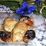 recette AMBROISINE DE POULET AUX FRUITS SECS Ce plat a été servi dans un menu de fête, à Sienne, le mardi 23 décembre 1326