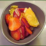 recette Salade de fraises et oranges aux amandes effilées et quatre epices