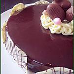 """recette Entremet miroir au chocolat """"nid de pâques"""" : biscuit aux amandes, croquant au chocolat et mousse au chocolat"""
