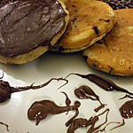 recette Pancakes.... aux pépites de chocolat et son nutella coulant à coeur....